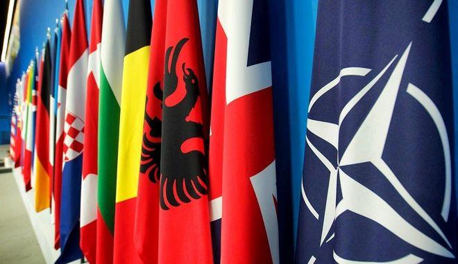 Σύνοδος ΝΑΤΟ: Οι 29 ενέκριναν το κοινό ανακοινωθέν παρά τις διαφωνίες
