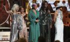 Η Μισέλ Ομπάμα ανάμεσα στις Lady Gaga, Τζέιντα Πίκετ Σμιθ, Αλίσια Κις και Τζένιφερ Λόπεζ