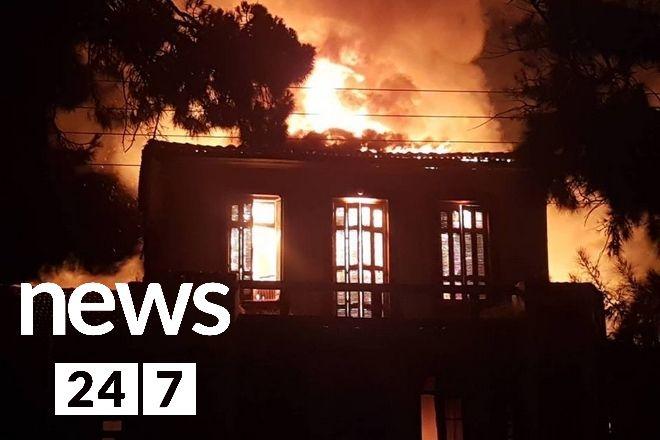 Χανιά: Στις φλόγες το Πολεμικό Μουσείο