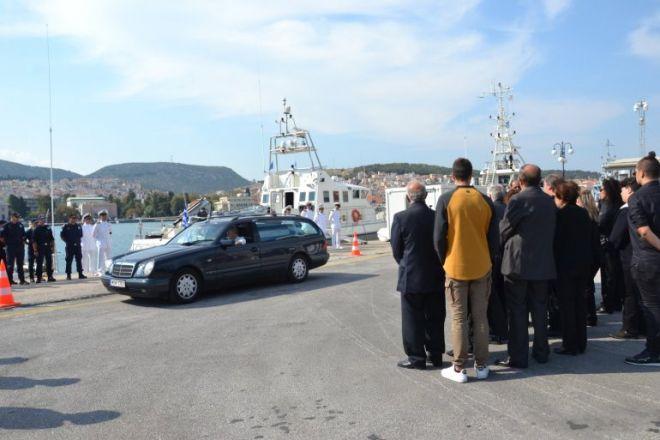 Το τελευταίο αντίο στον Κυριάκο Παπαδόπουλο, από στελέχη του Λιμενικού Σώματος