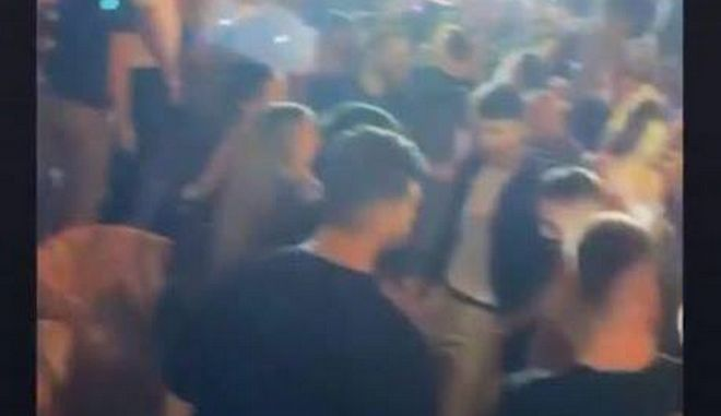 Πάρτι με 1000 άτομα σε beach bar του Αλίμου - Δίμηνο λουκέτο και πρόστιμο