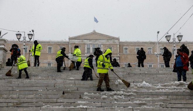 Το χιονισμένο Σύνταγμα από την επέλαση της κακοκαιρίας Μήδεια