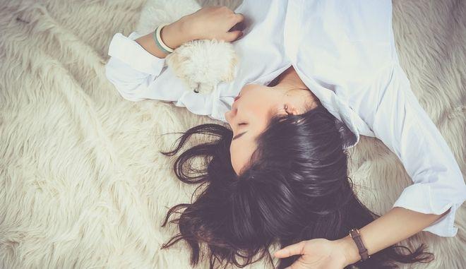 Τι θα σου συμβεί αν δεν κοιμάσαι καλά τα βράδια;