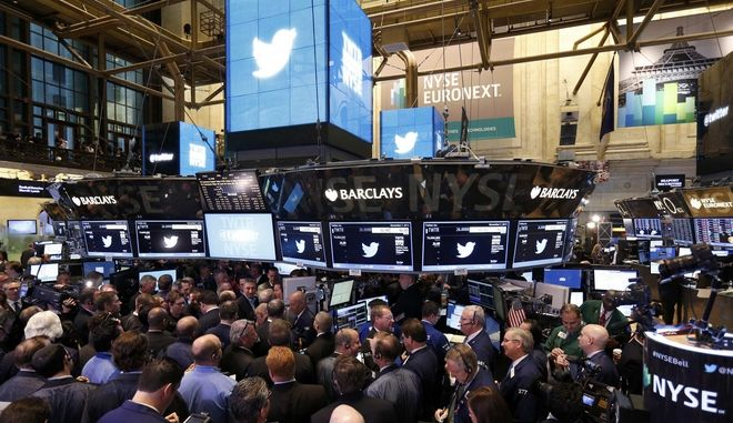 Trading begins on the Twitter Inc. IPO on the floor of the New York Stock Exchange, in New York, November 7, 2013.  REUTERS/Lucas Jackson (UNITED STATES  - Tags: BUSINESS SCIENCE TECHNOLOGY)   ORG XMIT: TOR218