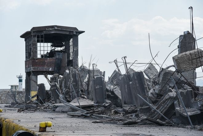 Κατάρρευση κτηρίου στη Δραπετσώνα από τον σεισμό
