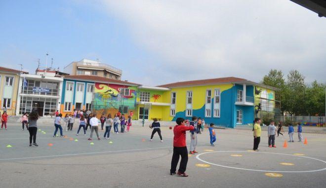 Σχέδιο Φίλη: Καθιέρωση 14χρονης υποχρεωτικής εκπαίδευσης και ολοήμερου δημοτικού σχολείου