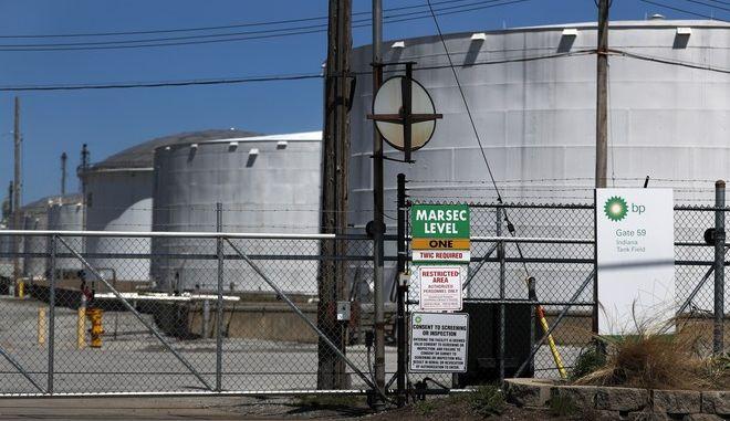 Εργοστάσιο πετρελαίου στις ΗΠΑ
