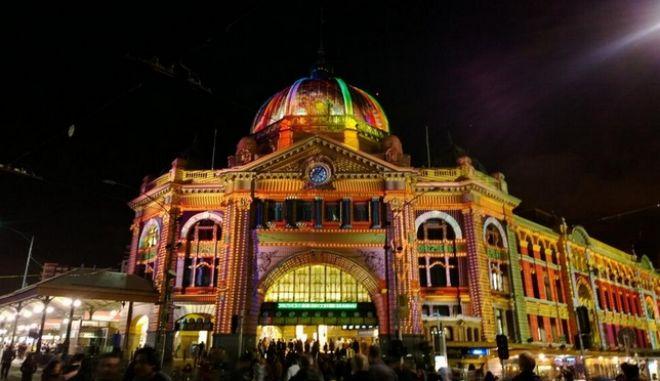 Μισό εκατομμύριο κόσμος στο Φεστιβάλ Λευκής Νύχτας της Μελβούρνης