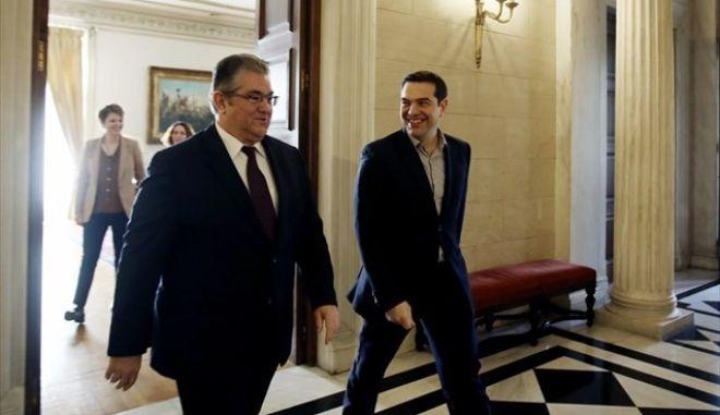 Ο ΣΥΡΙΖΑ διαψεύδει Κουτσούμπα για τον εκλογικό νόμο
