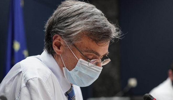 Προβληματισμένος από την εξέλιξη της επιδημίας στην Αττική, ο Σωτήρης Τσιόδρας