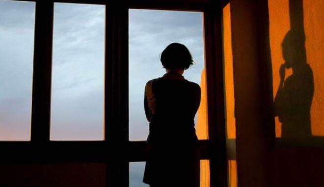 Η θέση των γυναικών το 2015: Από τις ανεπιθύμητες εγκυμοσύνες μέχρι το εισόδημα και το βουλευτικό αξίωμα