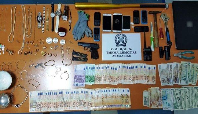 Εξαρθρώθηκε σπείρα διαρρηκτών που είχε ρημάξει τα σπίτια στα Μεσόγεια