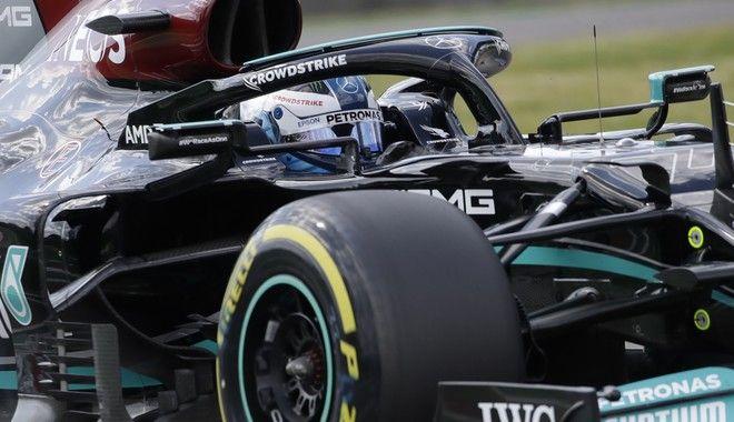 Οι ζημιές που προκλήθηκαν στο αυτοκίνητο του Βάλτερι Μπότας, μετά τη σύγκρουση με τον Τζορτζ Ράσελ θα μειώσουν τα χρήματα που έχει η Mercedes για την εξέλιξη των μονοθεσίων της, μέσα στη σεζόν του 2021.