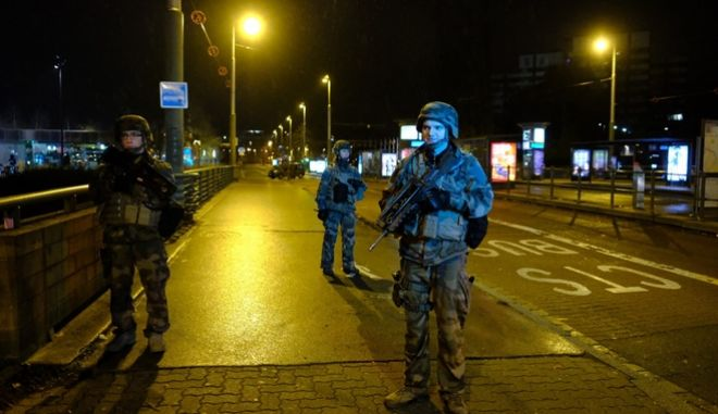 Στρατιώτες στο Στρασβούργο μετά την επίθεση