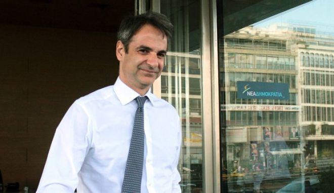 ΝΔ: Κόκκινο πανί ο ΣΥΡΙΖΑ και η γαλάζια εσωστρέφεια