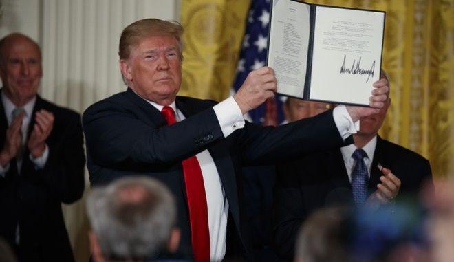 Ο Τραμπ υπέγραψε διάταγμα για τη δημιουργία διαστημικής δύναμης