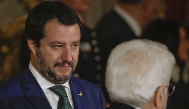 Ελπίζω η Ισπανία να δεχθεί άλλους 66.000 μετανάστες και το ίδιο να κάνουν και άλλες χώρες, δήλωσε ο Σαλβίνι