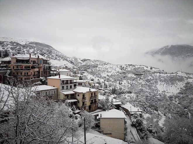 Στιγμιότυπα απο την χιονισμένη Αράχωβα την Πέμπτη 3 Δεκέμβρη 2018.