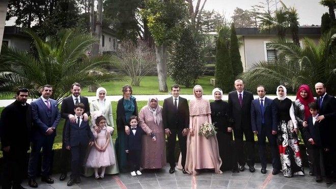 Ποια κόντρα; Ο Ερντογάν πάντρεψε την κόρη του με μάρτυρα τον Νταβούτογλου