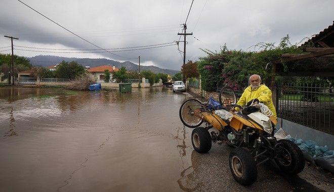 Κακοκαιρία Αθηνά: Σοβαρά προβλήματα σε Βόρεια Εύβοια, Λάρισα και Πήλιο