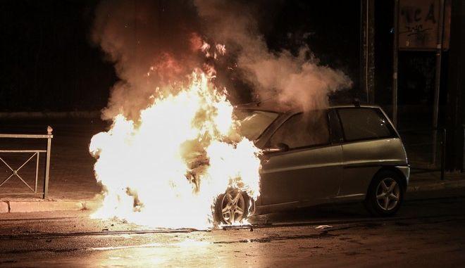 Πυρκαγιά σε αυτοκίνητο
