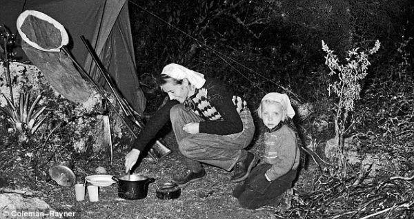 Μηχανή του Χρόνου: Η 17χρονη που έπεσε από τα 10 χιλιάδες πόδια και κατάφερε να επιβιώσει μέσα στη ζούγκλα!