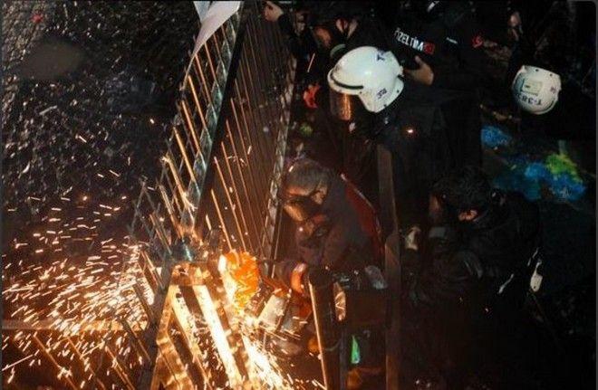 Gultasli: Ο Ερντογάν κατάσχεσε την εφημερίδα μου, μην τον επιβραβεύετε