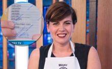 Μετανοείτε - Η Μάγκυ του master chef δείχνει ταυτότητα στην κάμερα