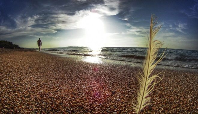 Στιγμιότυπο από την παραλία του Αλμυρού  στη Κέρκυρα. Σάββατο 2 Σεπτεμβρίου 2017 (EUROKINISSI/ΓΙΩΡΓΟΣ ΚΟΝΤΑΡΙΝΗΣ)