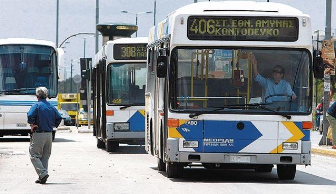 Λεωφορεία: Γιατί οι οδηγοί αντιδρούν στην επιβίβαση από την μπροστινή πόρτα