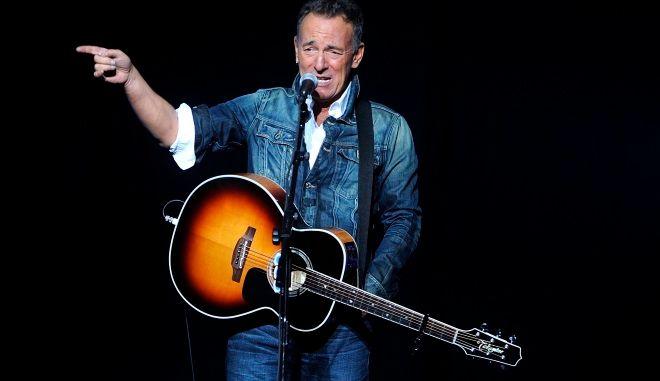 "Bruce Springsteen: Συναυλία στο Broadway αλλά ""πόρτα"" για τους εμβολιασμένους με AstraZeneca"