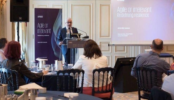 O Νίκος Βουνισέας, Senior Partner της KPMG στην Ελλάδα παρουσιάζει τα ευρήματα του 5ου CEO Outlook