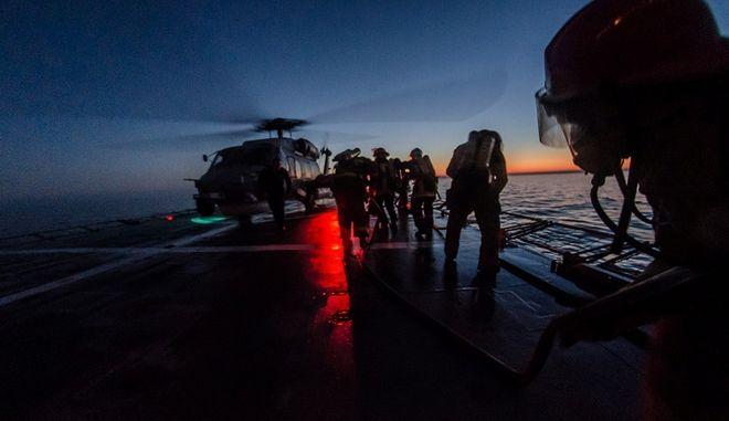 Εντυπωσιακές εικόνες από τη στρατιωτική άσκηση 'Αστραπή'