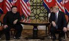 Εικόνα από τη συνάντηση του Αμερικανού προέδρου Ντόναλντ Τραμπ με τον Βορειοκορεάτη ηγέτη Κιμ Γιονγκ Ουν στο Ανόι τον Φεβρουάριο του 2019