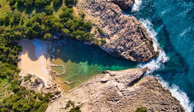 Βίντεο Drone: Γλώσσα, η ομορφότερη φυσική πισίνα της Μεσογείου