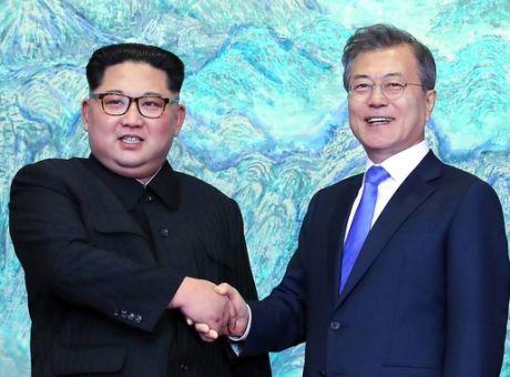 Κορεατική χερσόνησος  Σε εξέλιξη η ιστορική συνάντηση κορυφής ... 26baae921ee