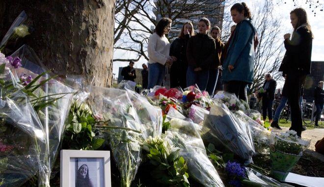 Θρήνος στο σημείο της επίθεσης στην Ουτρέχτη
