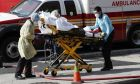 Ασθενής μεταφέρεται σε νοσοκομείο της Νέας Υόρκης