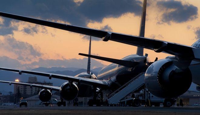 Αεροσκάφη σε αεροδρόμιο (φωτογραφία αρχείου)