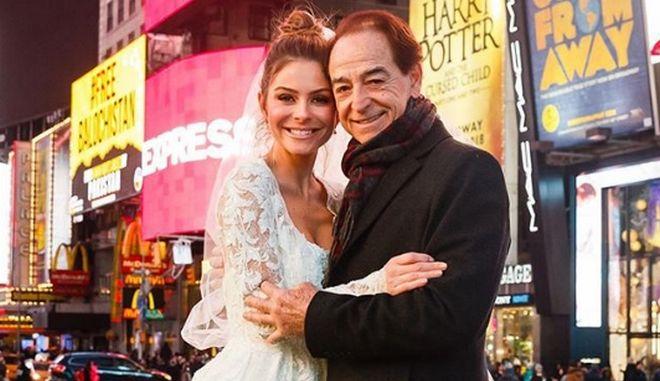 Η Μαρία Μενούνος με τον πατέρα της στην Times Square της Νέας Υόρκης