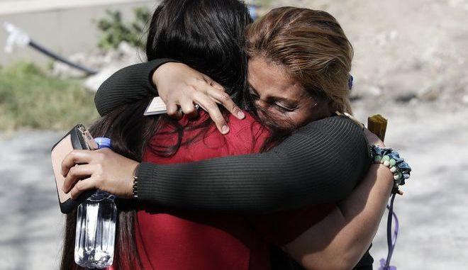 Συγγενείς θυμάτων μετά από την ανακοίνωση της απόφασης