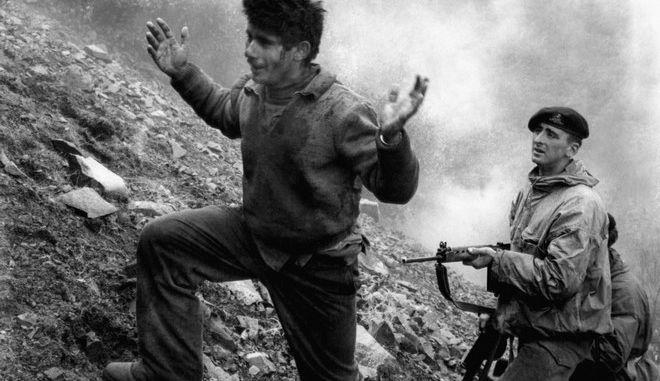 """Άγγλος στρατιώτης """"έπιασε"""" τον 22χρονο Αυγουστίνο Ευσταθίου, μέλος της ΕΟΚΑ"""