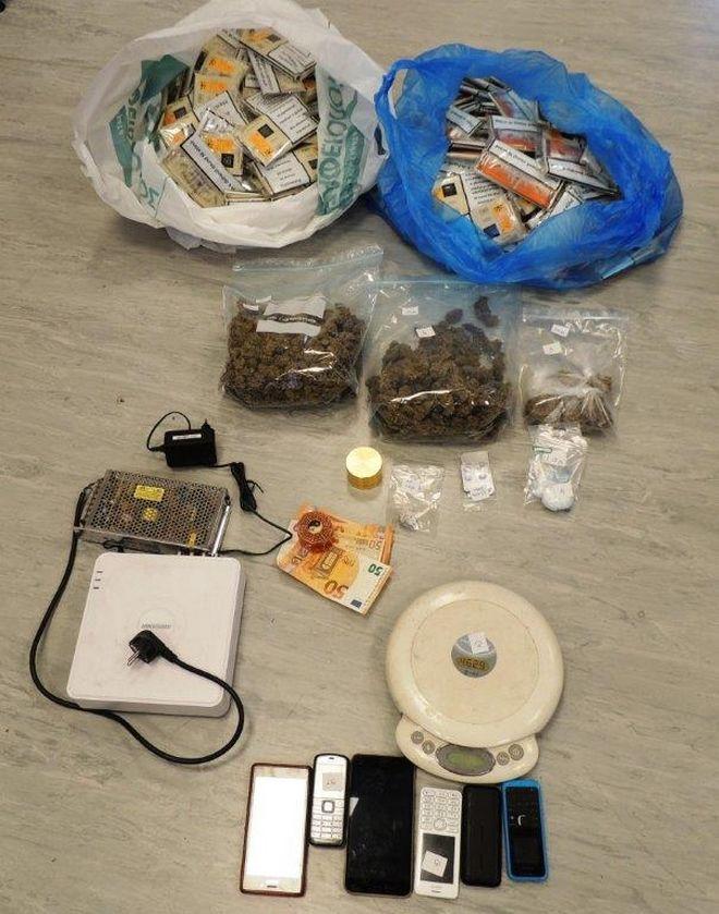 Συλλήψεις για διακίνηση ναρκωτικών ύστερα από εφόδους σε Μενίδι, Περιστέρι και Εξάρχεια