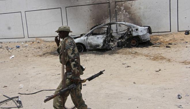 Σομαλία: Έφοδος της αλ Σεμπάμπ σε στρατιωτική βάση με 38 νεκρούς