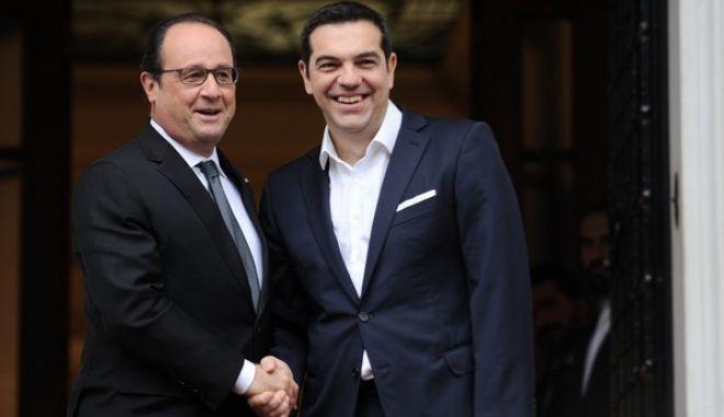 Συνάντηση του Πρωθυπουργού Αλέξη Τσίπρα με τον Πρόεδρο της Γαλλικής Δημοκρατίας Francois Hollande την Παρασκευή 23 Οκτωβρίου 2015, στο Μέγαρο Μαξίμου. (EUROKINISSI/ΤΑΤΙΑΝΑ ΜΠΟΛΑΡΗ)