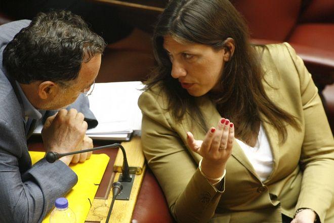 Συνεδρίαση των αρμόδιων επιτροπών της Βουλής σχετικά με το σχέδιο νόμου για τη συμφωνία με τους θεσμούς την Πέμπτη 13 Αυγούστου 2015. (EUROKINISSI/ΓΙΩΡΓΟΣ ΚΟΝΤΑΡΙΝΗΣ)