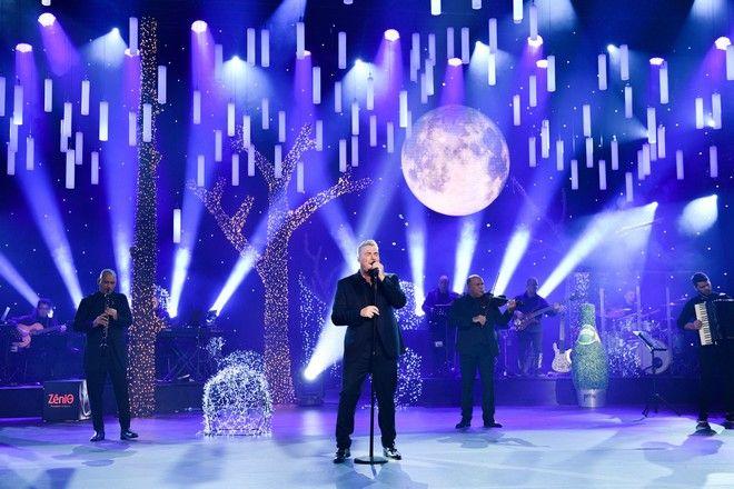 Παραμονή Πρωτοχρονιάς με τον Αντώνη Ρέμο και τη Ρούλα Κορομηλά στο MEGA