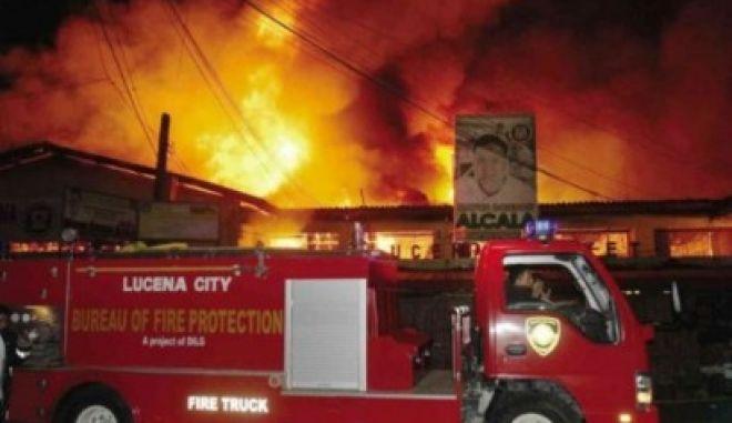 Οκτώ εργάτες κάηκαν ζωντανοί κλειδωμένοι σε αποθήκη