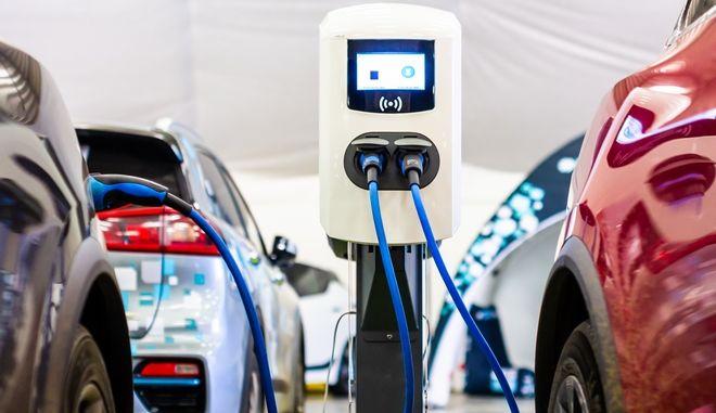 Στο στάδιο της εφαρμογής εισέρχεται σταδιακά η αγορά της ηλεκτροκίνησης στη χώρα μας