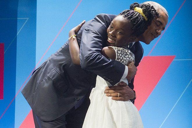 US President Barack Obama embraces 11-year-old Mikaila Ulmer social entrepreneur of